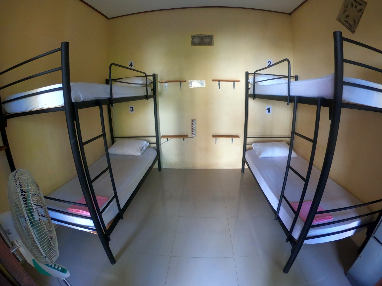 dorm 4 beds